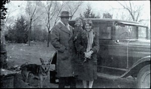 Wallace, Marie & Jean Steeples about 1928